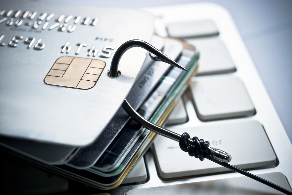 Cyber-Criminals Hide Credit Card Stealing Scripts In Favicon EXIF Data